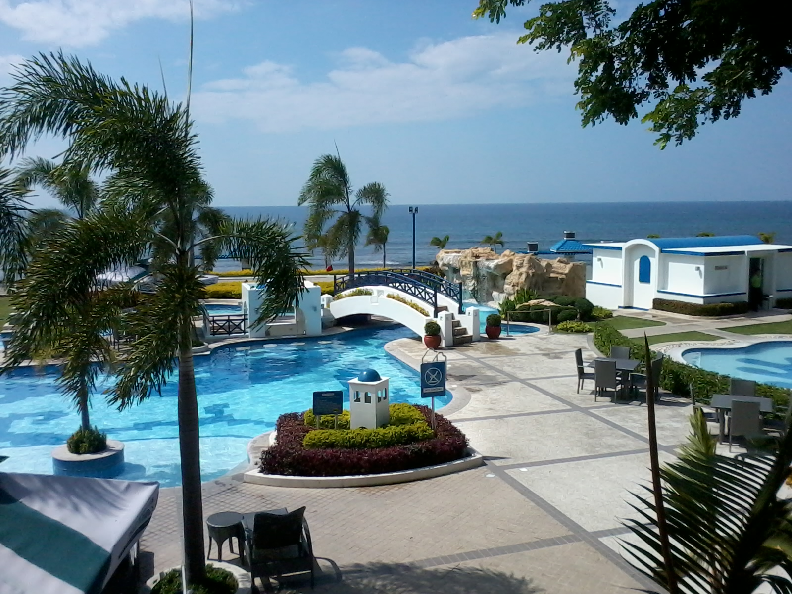 thunderbird resort poro point la union