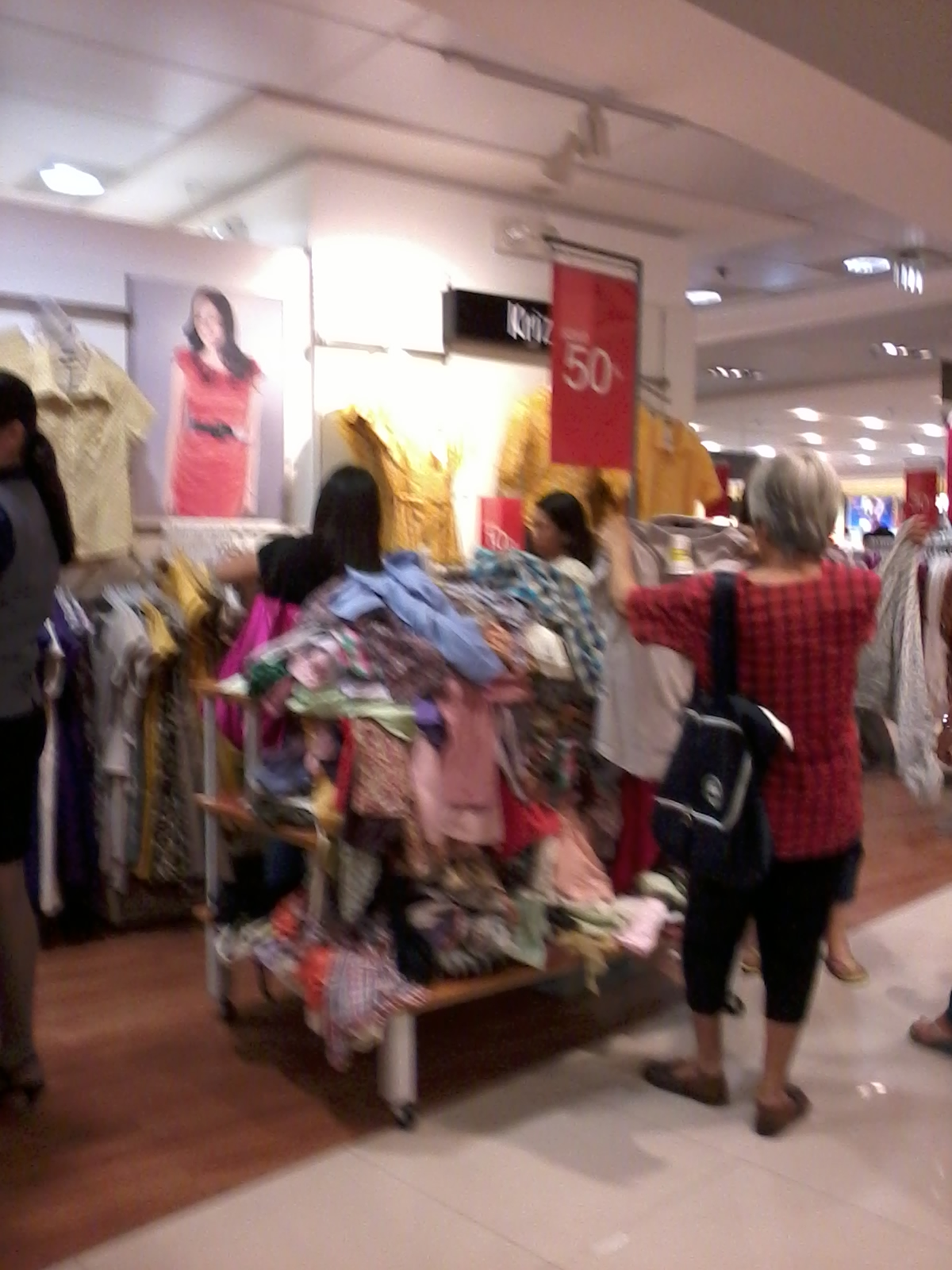Lola's has shopping fever